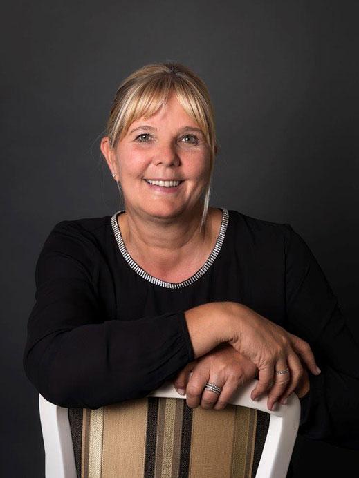 Tini Abenthung - Mitarbeiterin Brautmoden Tirol
